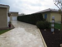 allee pave travertin 15x15.JPG