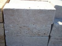 Bordure travertin rose 30x10x5.JPG