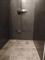 douche pave travertin gris 1.JPG